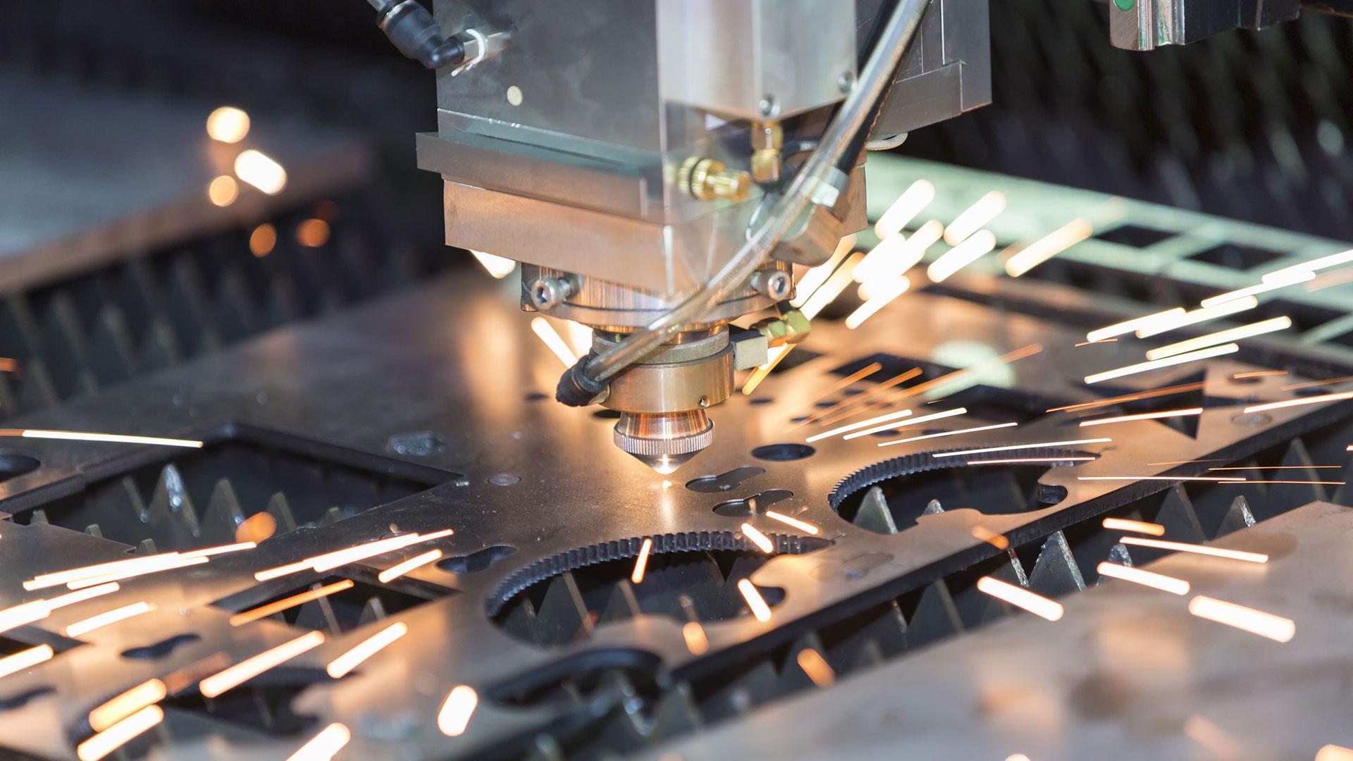 A fémek megmunkálásában nagy szerepe van a lézervágásnak.
